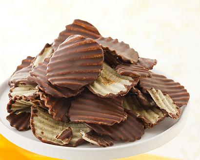 5位★ロイズ ポテトチップチョコレート☆. 北海道 お土産①