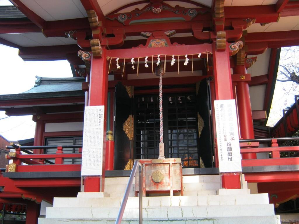 【参拝の仕方】神社/お寺のお参りの作法-やり方の違いについて-
