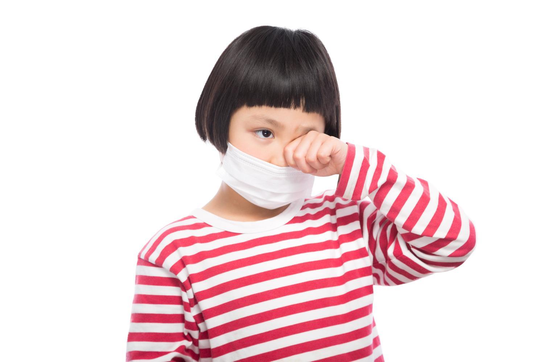 女の子・マスク・かゆい・花粉症