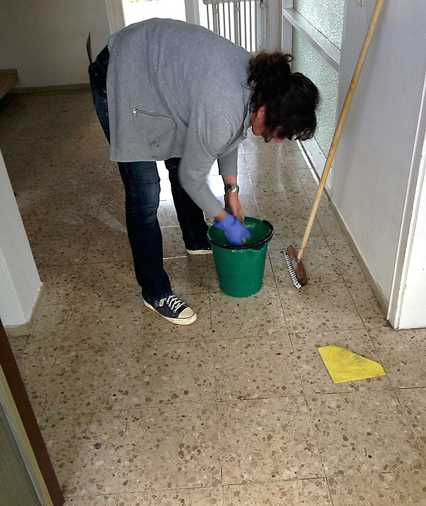 お風呂のカビ取りは重曹もしくは片栗粉で超キレイになるのか試してみた!