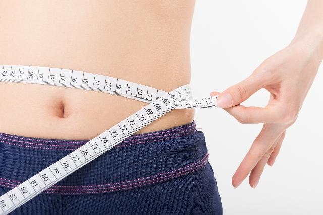水太りを解消!夏太りの原因は水分補給の仕方?食事で改善する5つのコツ