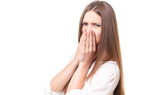 排水口が臭い!詰まりや悪臭の原因とヌメリの取り方や対策法は?