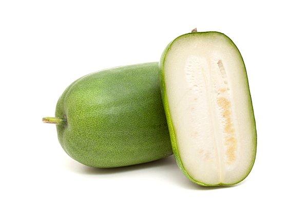 冬瓜の旬の時期はいつ?保存方法と栄養価の高い皮の下ごしらえについて