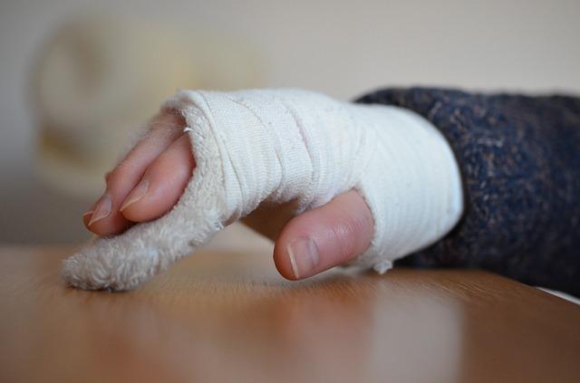 骨折の種類で骨折が治るまでの期間が違う!すぐ治るのは手足?