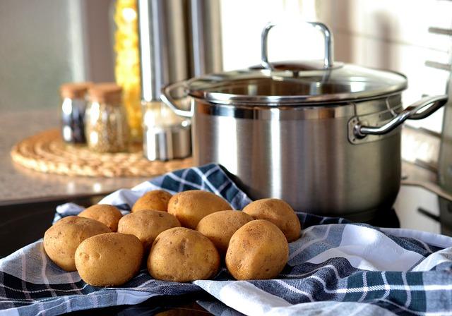 美味しいジャガイモの蒸し時間は何分?レンジや圧力鍋の調理時間は?