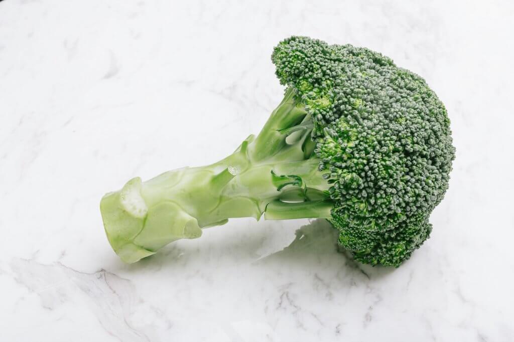 美味しいブロッコリーの選び方!大きさや色・太い茎で見分けるって本当?