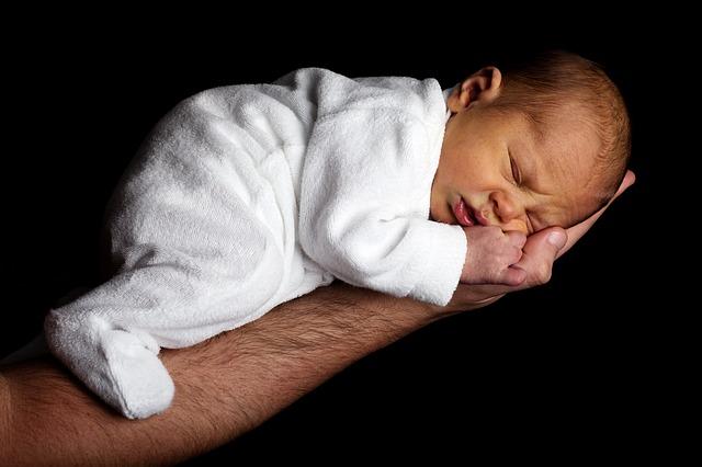 夜、横になると咳が止まらなくなる3つの原因と対処方法4選!