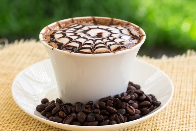カフェオレとカフェラテの違いとは?モカ・カプチーノとの違いも知って納得!