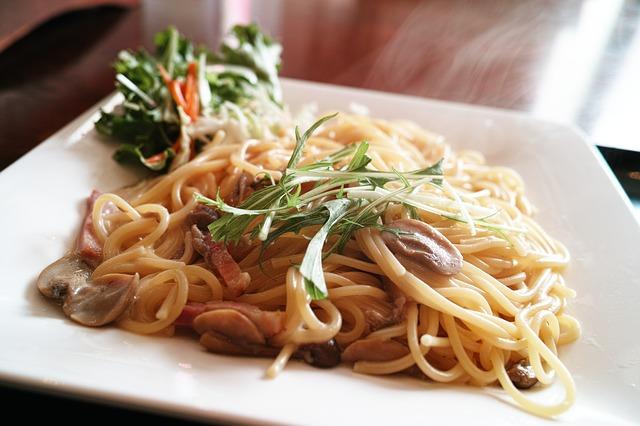 パスタとスパゲッティの違いとは?マカロニとペンネも違うの?