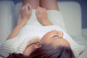 下腹部の張り/下痢/腰痛/発熱などの症状の原因となる病気と対処法について